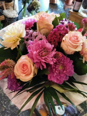 Fiori 60 Anni.Flower Bouquet Light Colours That S Gentile Consegna Fiori E